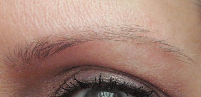 thinning eyebrow