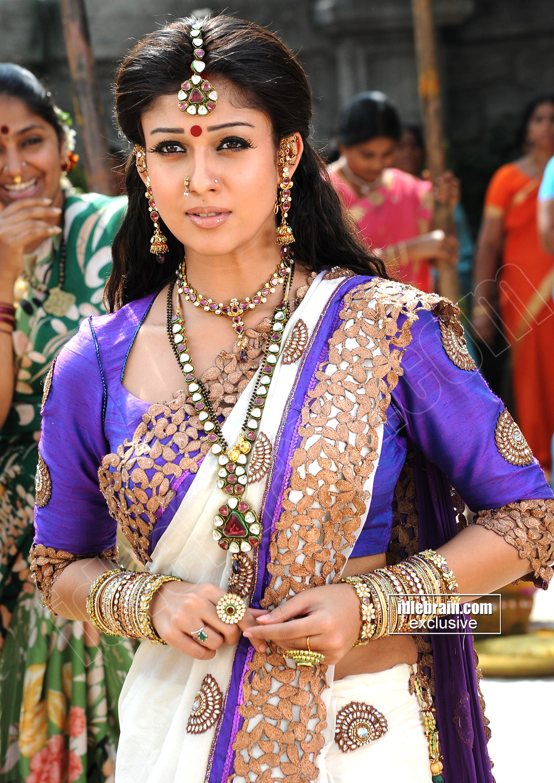 Hot Indian Actress Blog Actress Nayanthara Hot Looks In -6514
