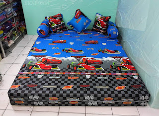 Sofa bed inoac motif The car biru