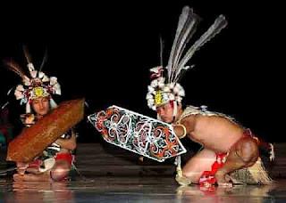 TARI-Tradisional-MONONG-yang-berasal-dari-daerah-kalimantan