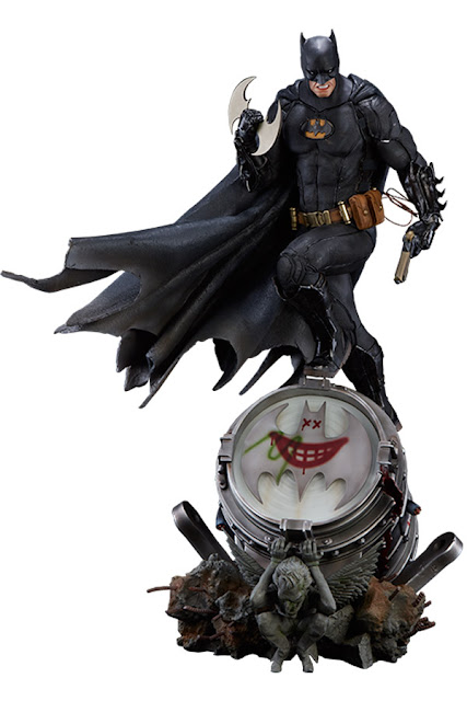 osw.zone Bruce Wayne is a billionaire entrepreneur, Playboy and Philanthropist.  Batman (Black Edition) Statue of Iron Studios