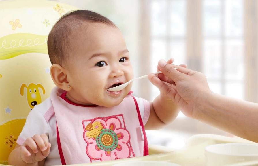 3 Zat Gizi Penting bagi Tumbuh Kembang Bayi