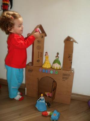 Castelo de Princesas em Cartão