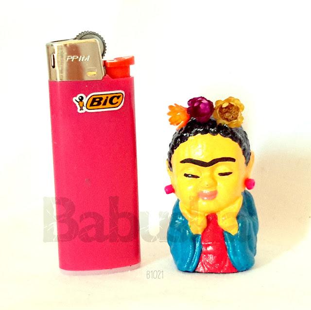 "Mini budita ""Frida Kahlo"", pintado y laqueado a mano (B1021) Babuska"