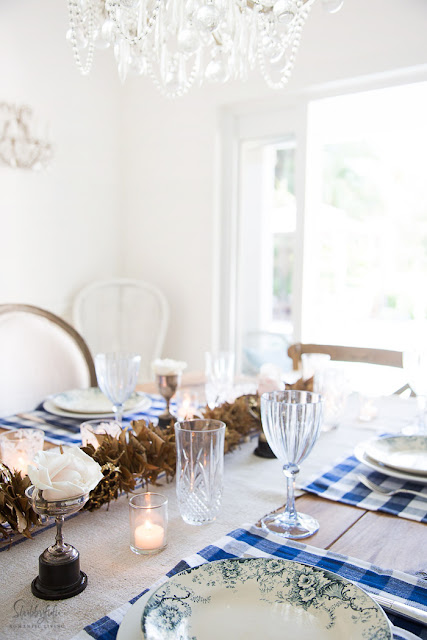 table-setting-ideas-decor-blue-white-Thanksgiving
