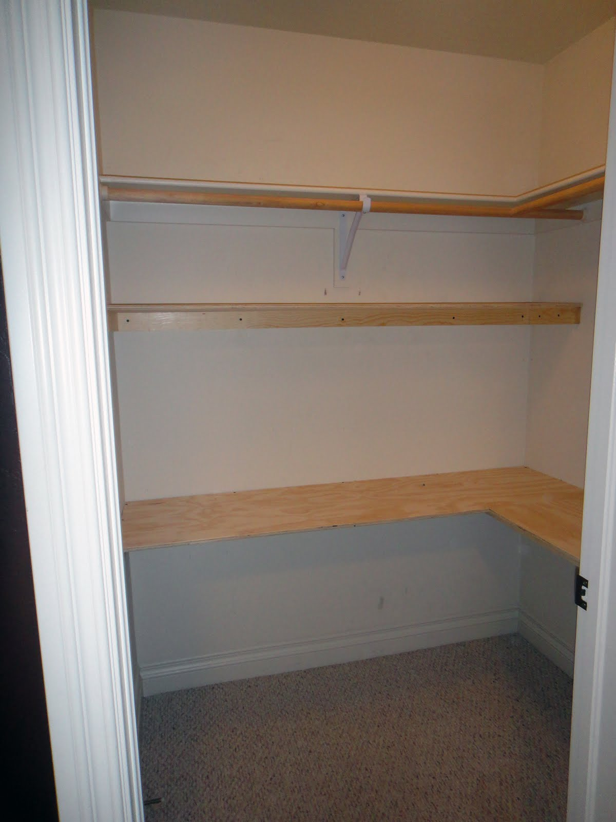 Worth Pinning Home office in a closet