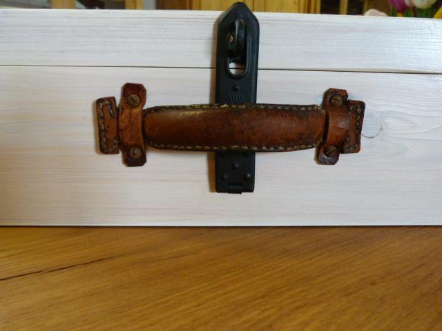 antike m bel holzkoffer um 1920. Black Bedroom Furniture Sets. Home Design Ideas