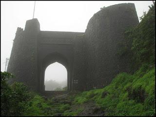 Tourist Place At Pune Purandar Trek