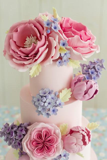 Rosas inglesas, tulipanes, lilas de azúcar
