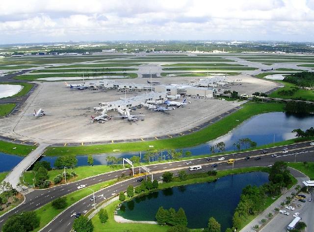 Aeroporto Internacional de Orlando - Vista aérea