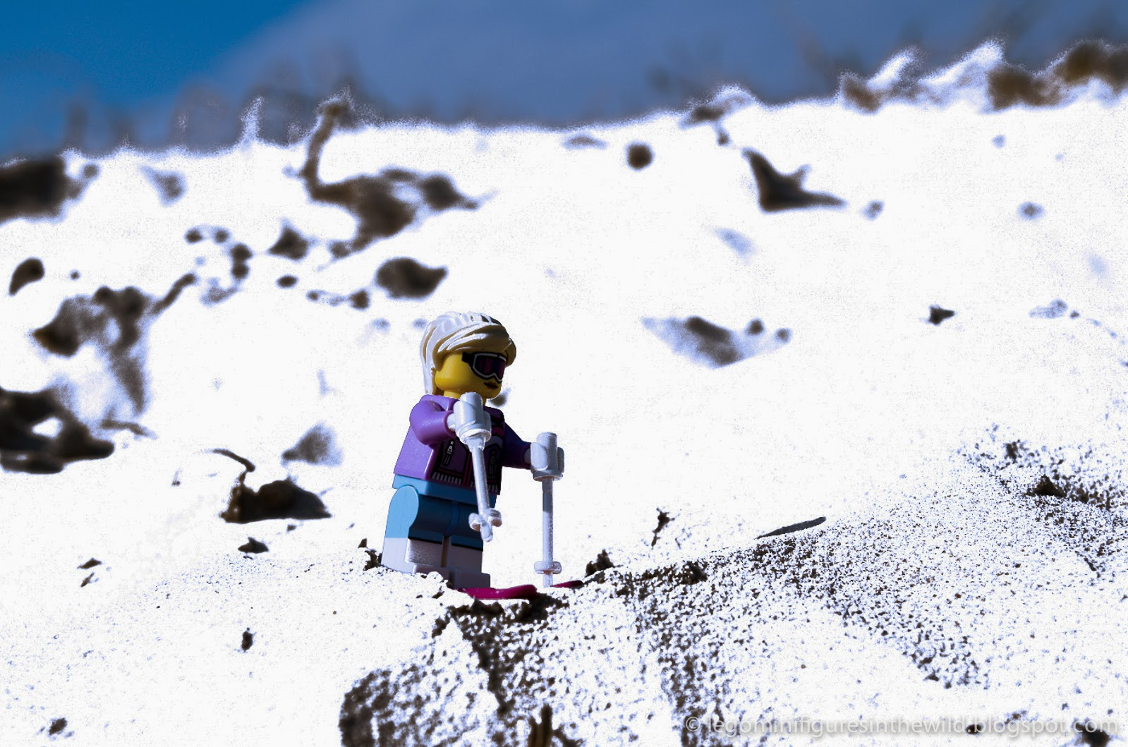 Lego Minifigures Series 8 Downhill Skier - Wallpaper