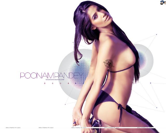 Poonam Pandey in black color bikini