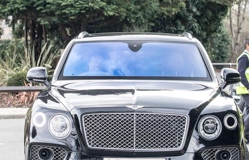 Pictures of Chelsea players and the cars they currently drive + prices