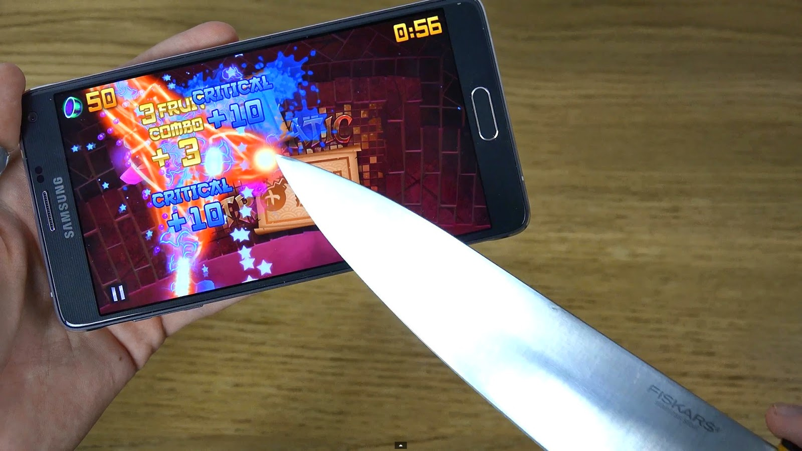 Samsung Galaxy Note 4 could be operated with a knife