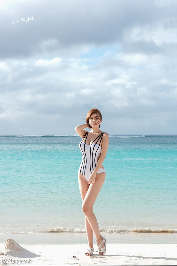 Image Ryu-Ji-Hye-Hot-Thang-4-2017-MrCong.com-003 in post Người đẹp Ryu Ji Hye nóng bỏng khoe dáng cùng trang phục tắm biển 4/2017 (35 ảnh)