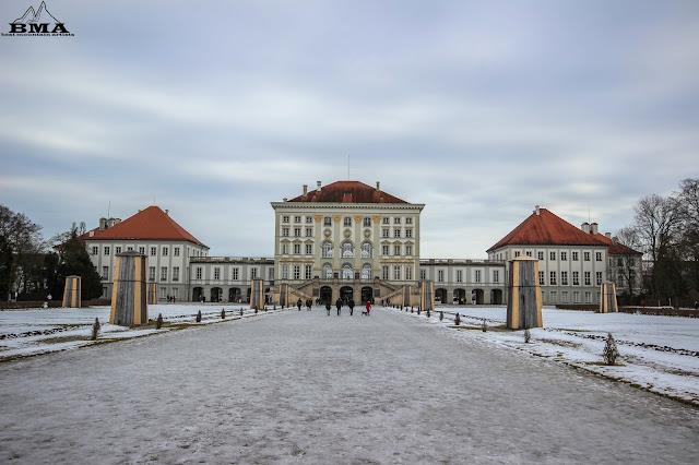 wandern München  - Spaziergang in der stadt - Sehenswürdigkeiten - Stadtrundgang - Schloss Nymphenburg