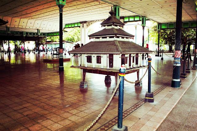 Jalan-jalan Ke Tempat Wisata Kraton Yogyakarta