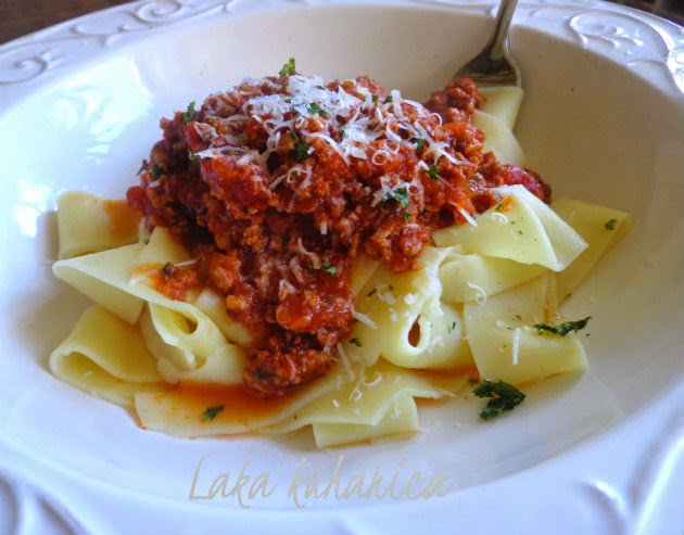 Fresh fettucine with sauce Bolognese by Laka kuharica: the  rich, meaty tomato sauce pressure cooked to a perfection.