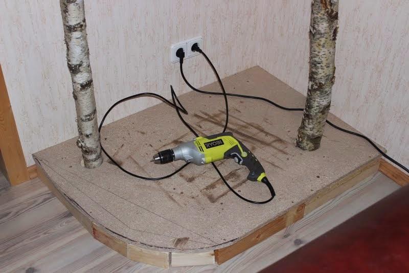 wildes kunterbunt katzen kratzbaum selbst gebaut. Black Bedroom Furniture Sets. Home Design Ideas