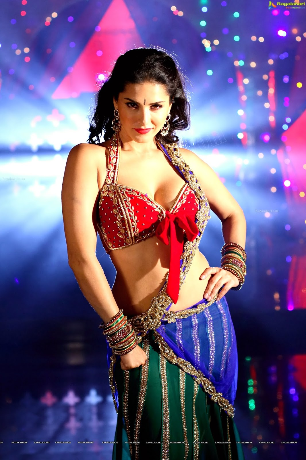 Sunny Leone Sexy 4K Wallpapers  Fun Point Info- All -3548