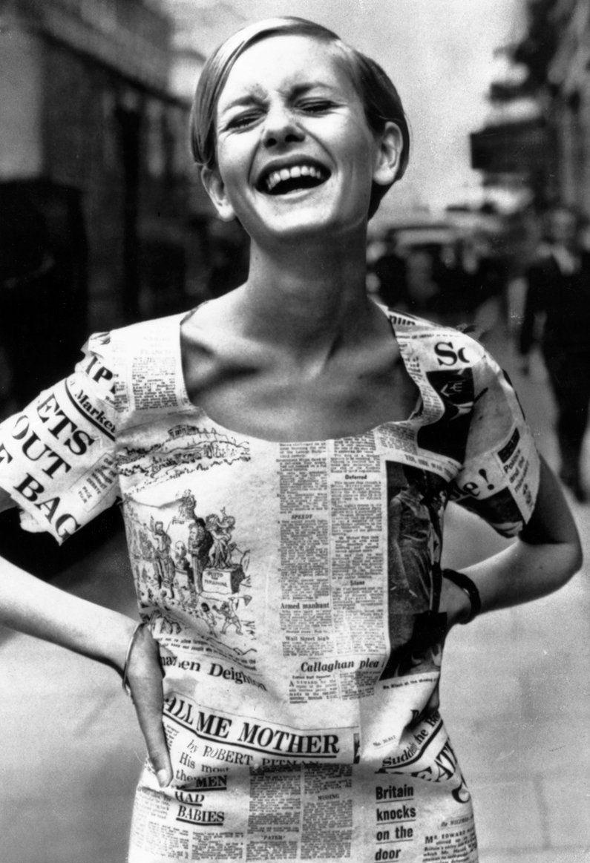 5eed3e310 Twiggy Wearing a Newspaper Dress in London, 1967 | BlueisKewl