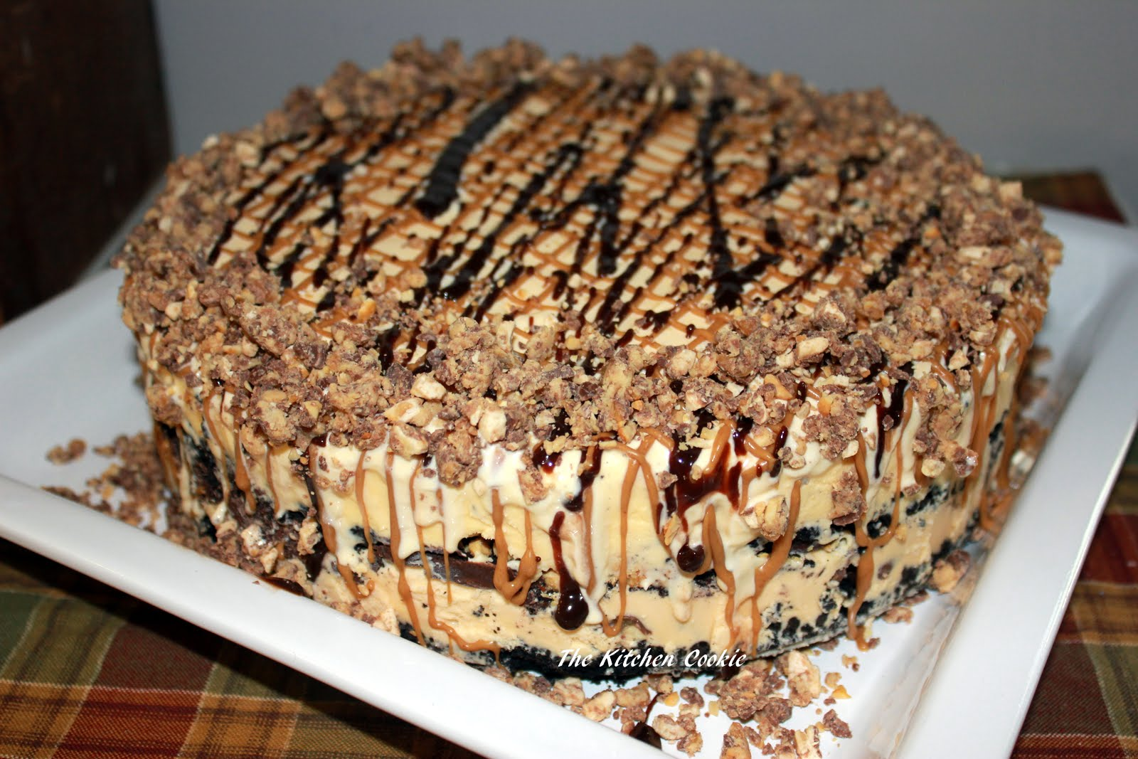 Snickers Kuchen Torte Thekitchencookie Peanut Butter And Snickers Ice Cream Cake And A