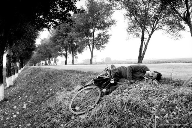 Anthony Suau - Beyond the Fall, Romania, 1990