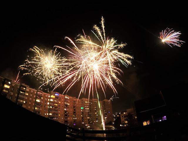 Fireworks on silvester 2016 Fužine Ljubljana 1 shot