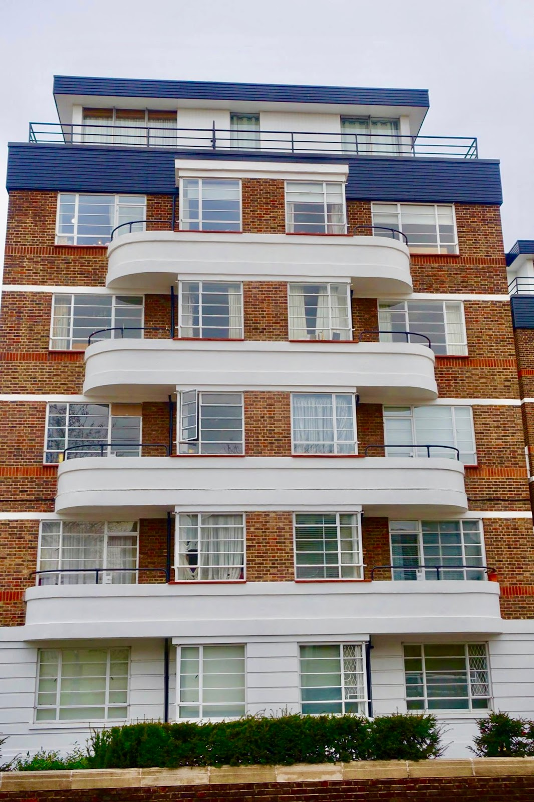 adrian yekkes picture post 67 hightrees house classic art deco