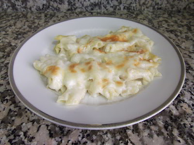 Macarrones con bechamel y queso
