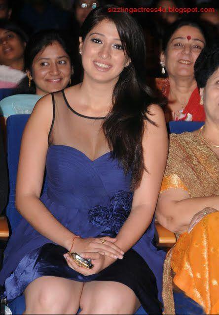 Lakshmi rai sizzling performance mirchi music awards south hd - 4 8