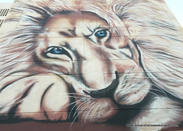 Lion mural in Karama Dubai