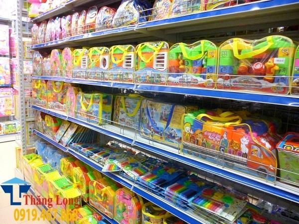 Giá kệ trưng bày đồ chơi trẻ em cho siêu thị