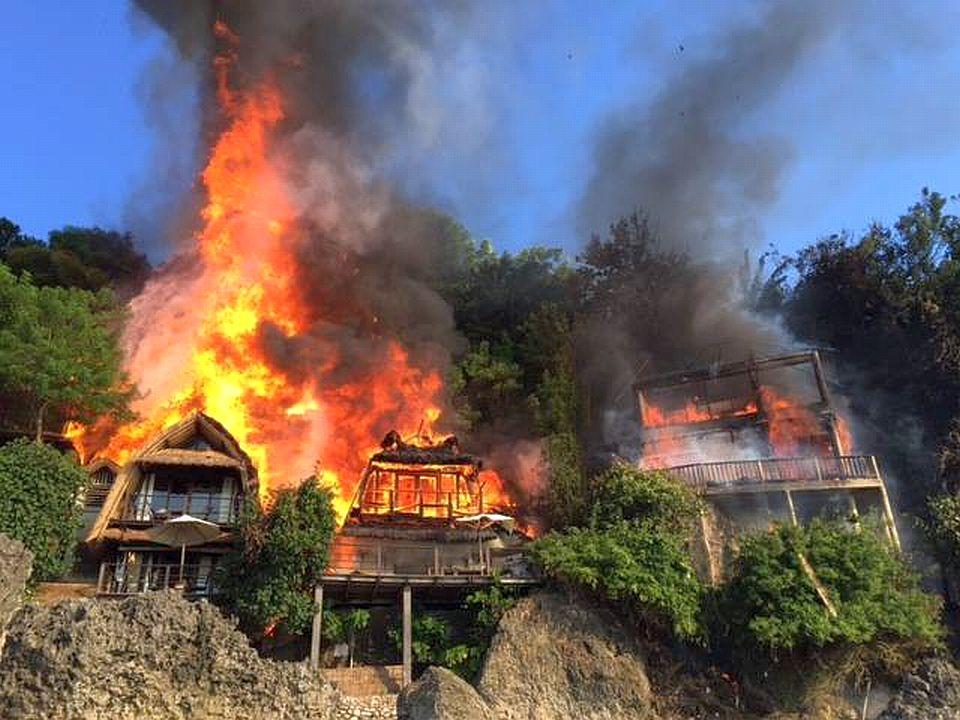 padang padang incendio 03