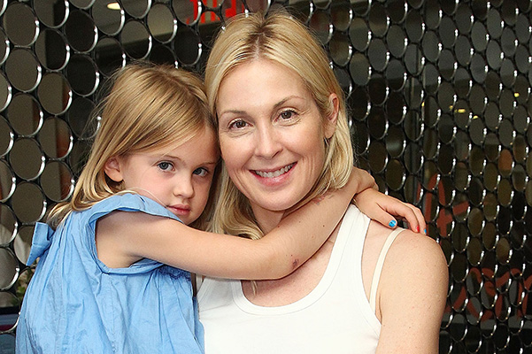 Kelly Rutherford's ex-husband accused her of kidnapping the children