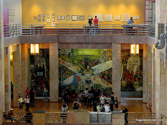 """Mural de Diego Rivera """"O homem, controlador do universo"""""""