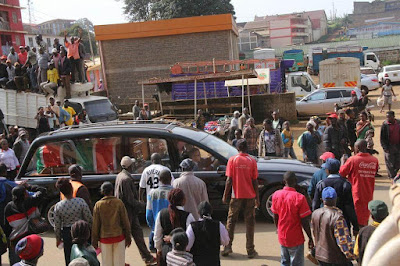 Youth searching for Raila Odinga in Nyeri. PHOTO | FILE