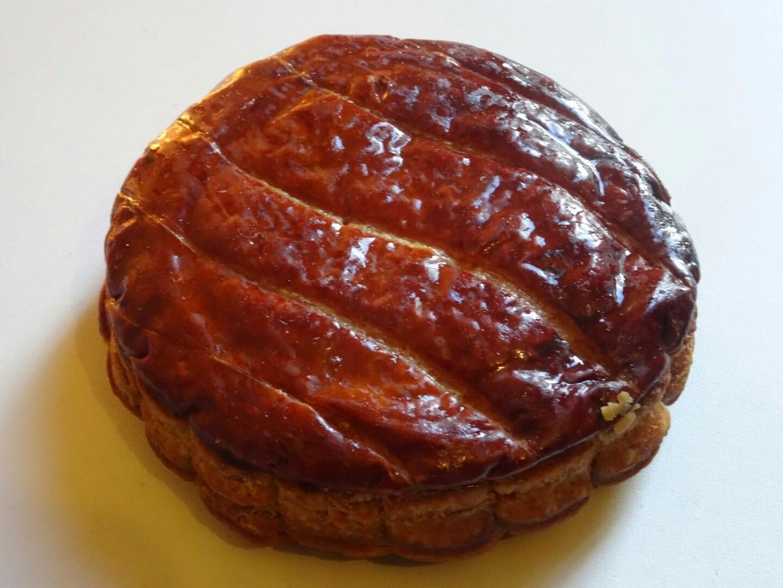 Galette des rois individuelle de la pâtisserie Cyril Lignac.