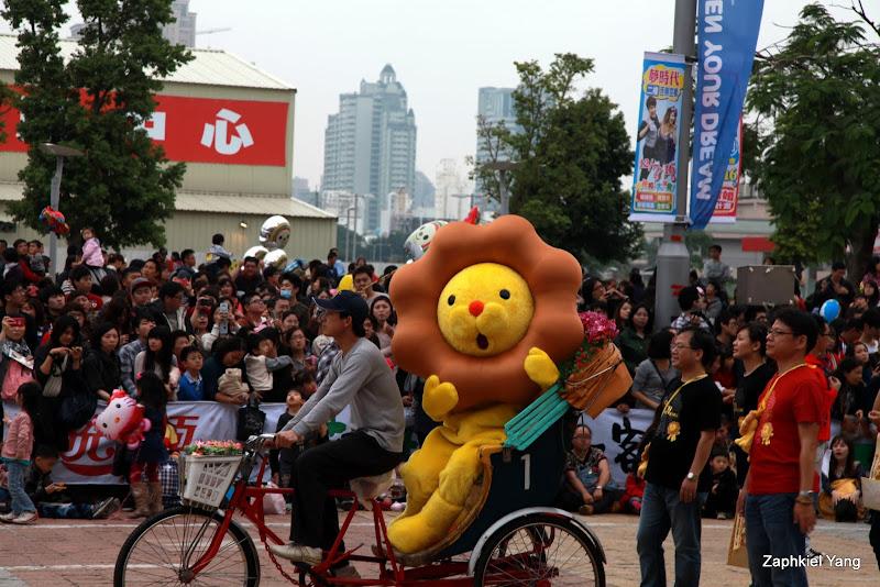【高雄 前鎮】手腳都好痠的夢時代大氣球遊行