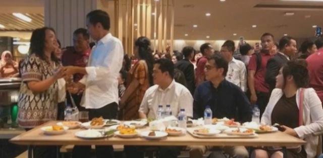 Rumah Makan Padang Pun Mau Dibangkrutkan