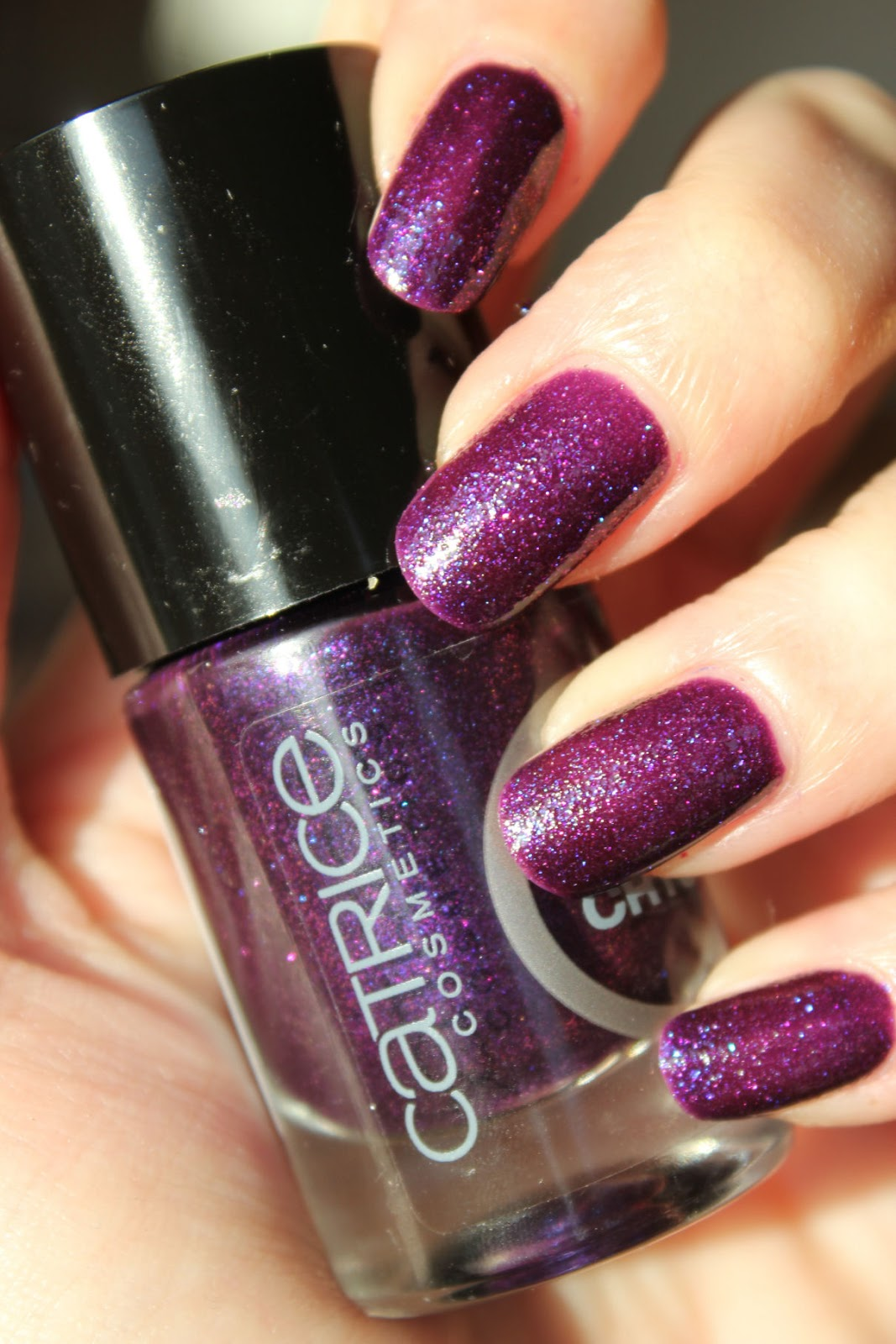 http://lacquediction.blogspot.de/2014/03/catrice-crushed-crystals-02-plumdog.html