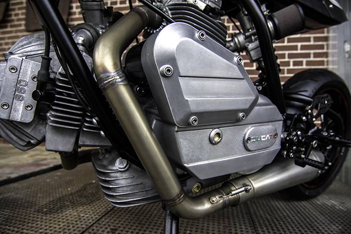Ducati 860 Cafe Racer exhaust
