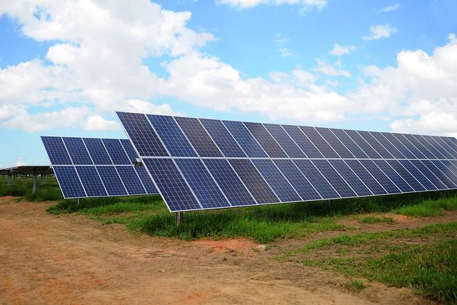 Governador Ibaneis Rocha inaugura, em Ceilândia, a maior usina de energia fotovoltaica do DF. - Foto-Renato-Alves-Agencia-Brasilia