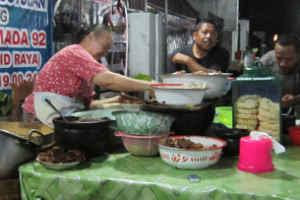 Kuliner Indonesia - Gudeg Ceker Bu Kasno Solo
