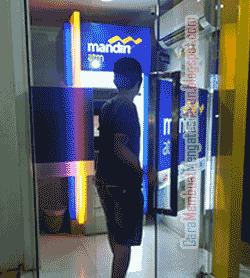 Cara Transfer Uang Lewat ATM Mandiri ke BCA (Kode & Biaya)