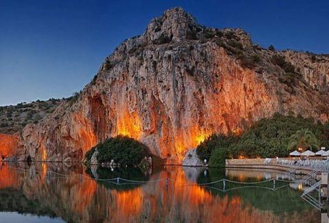 Λίμνη της Βουλιαγμένης: Το παγκόσμιο μνημείο της φύσης και το μυστήριο που ένα μυστήριο που δεν έχει ανακαλυφθεί ποτέ! (PHOTOS + VIDEO)