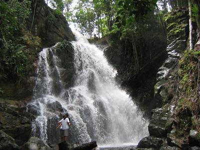 Tempat Wisata di Riau air terjun guruh gemurai