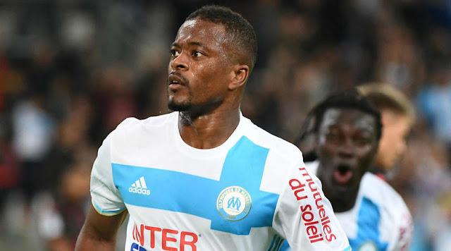 West Ham Memburu Tanda Tangan Patrice Evra