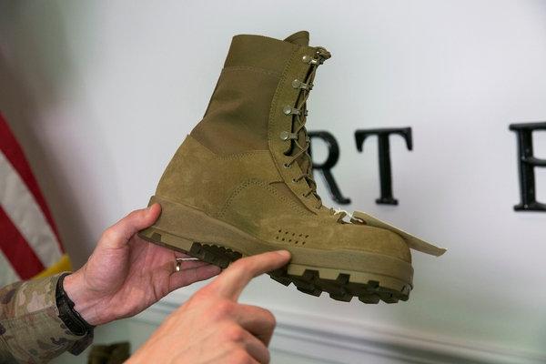 askeri çöl botu