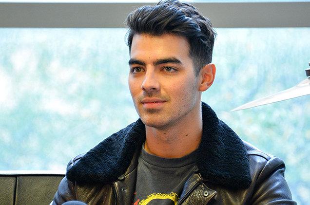 Joe Jonas habla sobre las limitaciones y la censura durante su etapa en Disney.